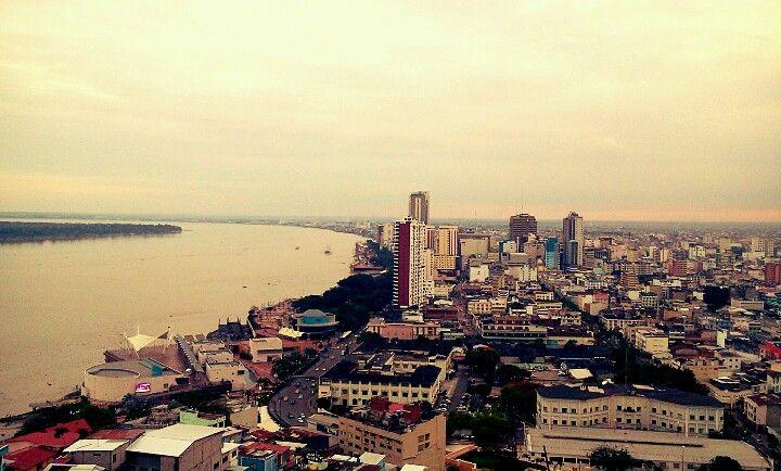 Guayaquil desde el faro