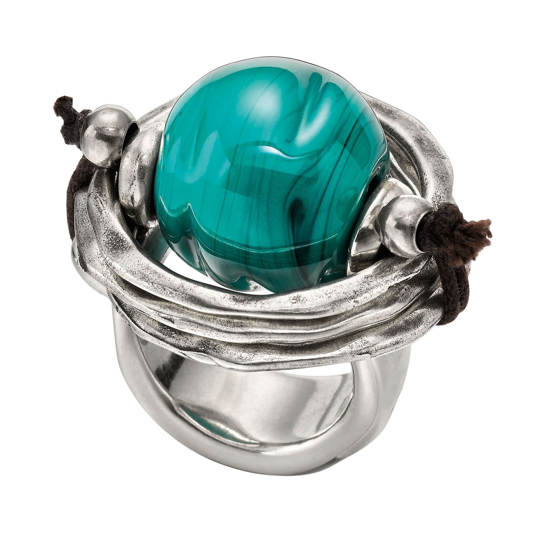 Silver-plated metal ring with a large green Murano glass sphere set in the middle held with brown leather. With the uniquely unmistakable style of UNOde50, 100% handcrafted and made in Spain.