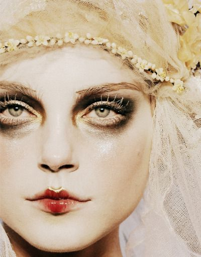 Jessica Stam at John Galliano Autumn/Winter 2009 #high #fashion
