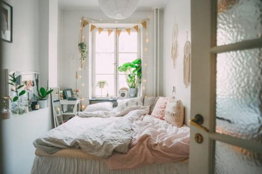 April Aesthetic Tumblr Aesthetic Bedroom Aesthetic Rooms Bedroom Flooring