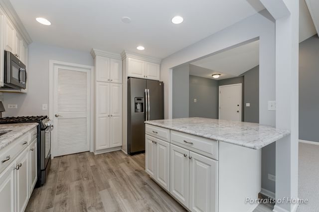 1750 Ardmore Ln D Wheaton Il 60189 Homes By Marco With