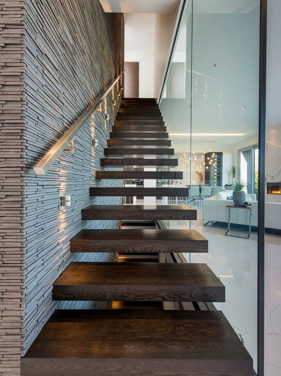 Imagem 10 casa escalera casa madera y escaleras - Escaleras de madera modernas ...