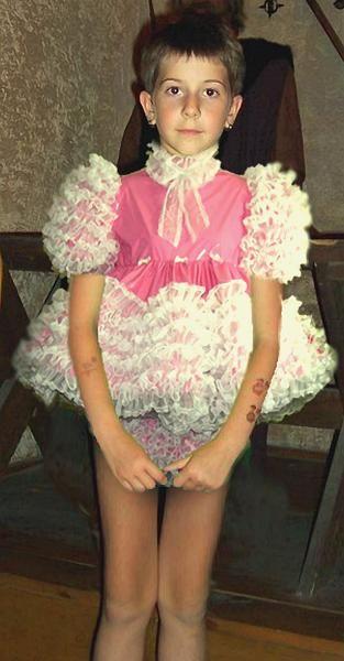 how to get my boyfriend to dress like a girl