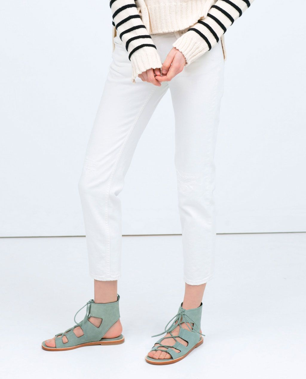 LEATHER ROMAN SANDAL pastel mint green color | front lace-up closure from Zara #pastel #roman