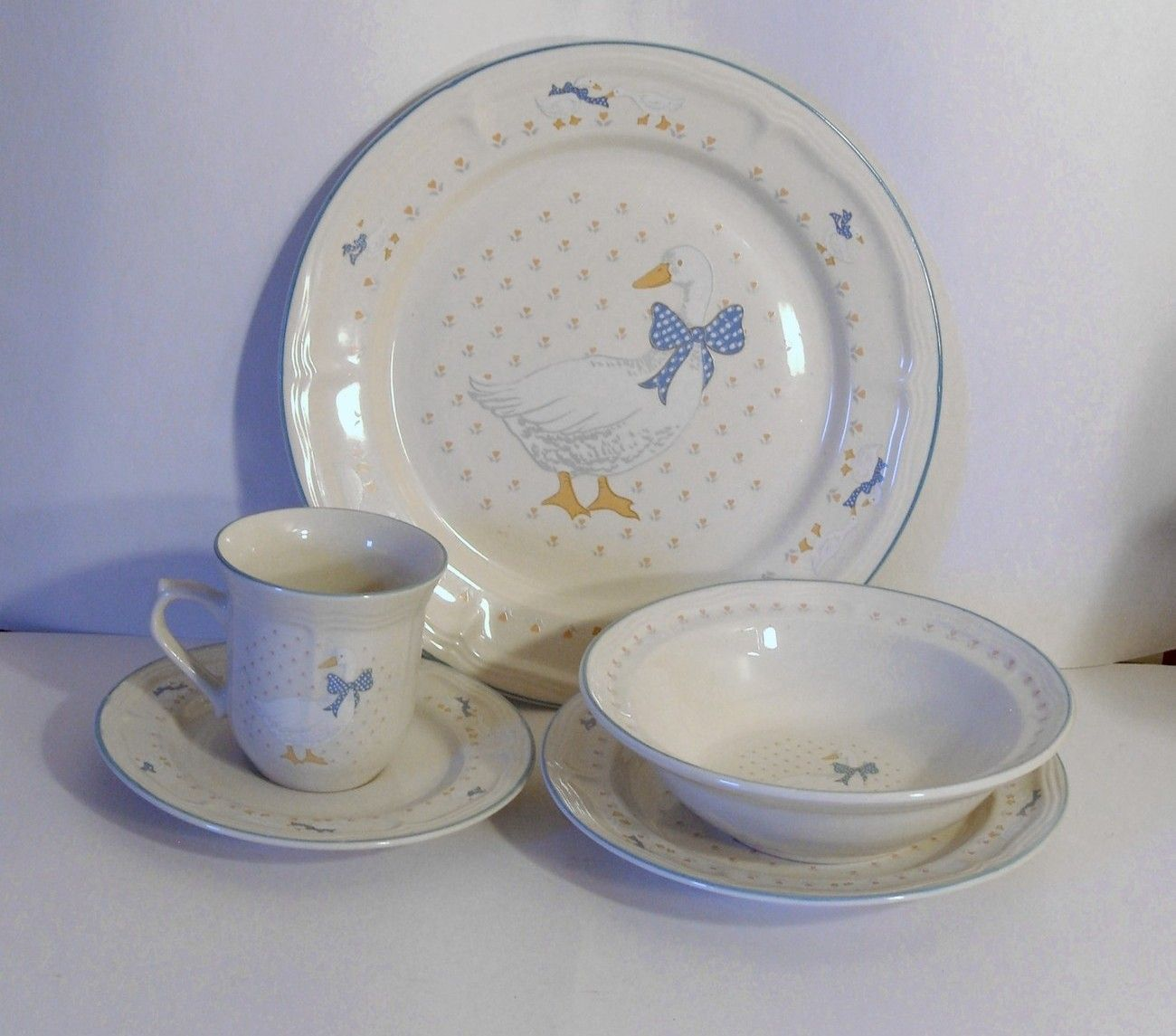 country geese dish set this is a set of brickoven stoneware for four in a country - Stoneware Dishes