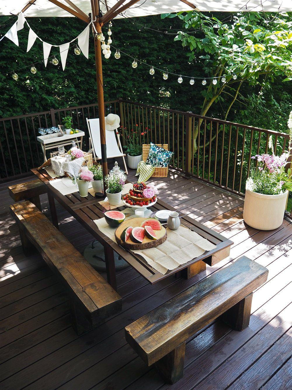 My Garden Overhaul The Trex Transcend Composite Deck Reveal Deck Design Composite Decking Wooden Garden Table