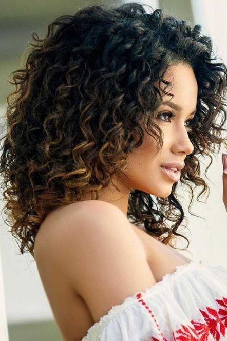 Shoulder Length Haircuts For Naturally Curly Hair Naturalcurlyhairstyles Hair Styles Curly Hair Styles Naturally Shoulder Length Curly Hair