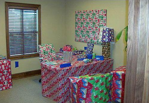 Christmas Pranks.Gift Wrapped Office Merry Christmas Ya Filthy Animal
