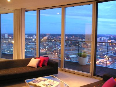 Good Review Of Staying Cool Apartments At The Rotunda Birmingham | Europe A La  Carte Travel Blog