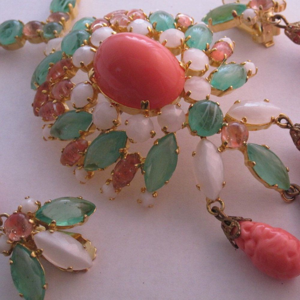 Unique costume jewelry and vintage things by viviansdream on Etsy