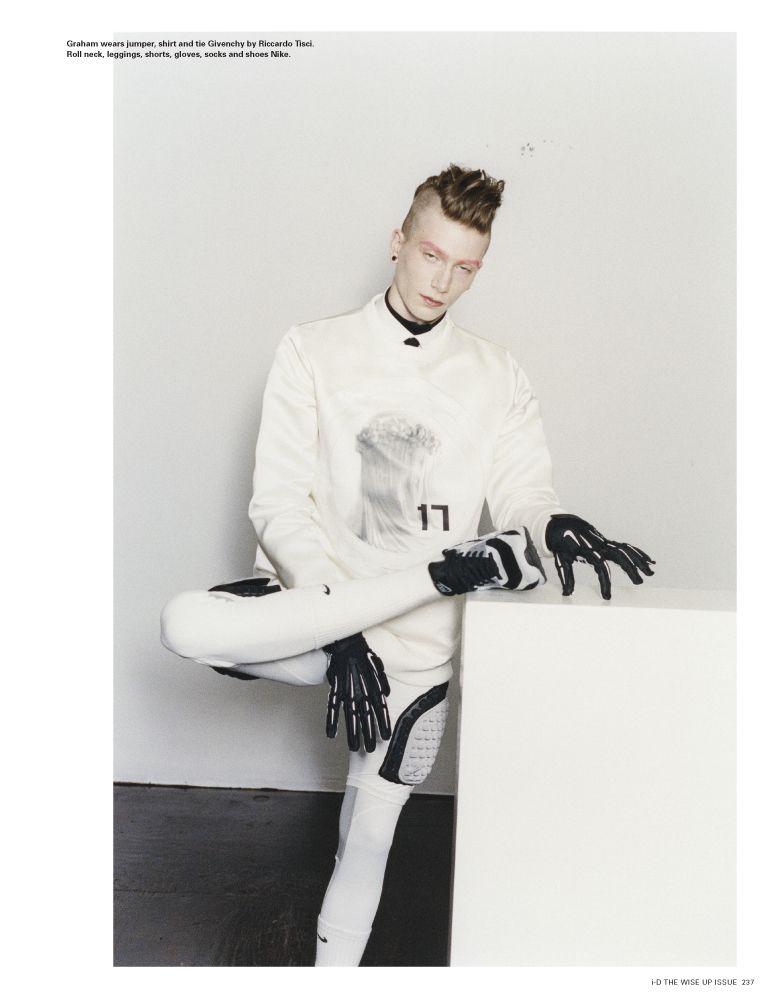 Thursday Editorial Love #fashion #editorial #diorhomme #dior #nike #givenchy #menswear #mensstyle #mensfashionfix #mensstyle #idmagazine #moda #model