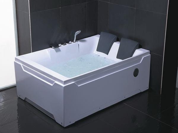Pin By Alexa Matthews On Bathrooms Jacuzzi Bathtub Bathtub