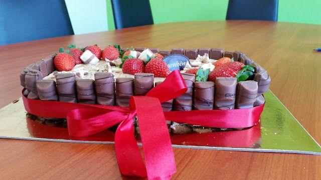 Sims Cake Shop: Bolo kinder