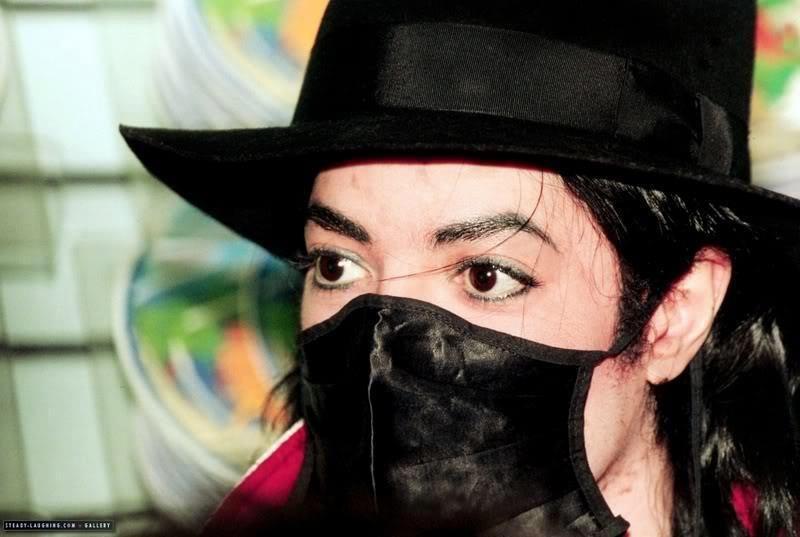 Resultado de imagem para michael jackson de mascara