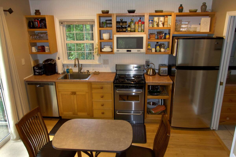 Blue Ridge Cottage 5 Acre Forest - Guesthouses for Rent in ...