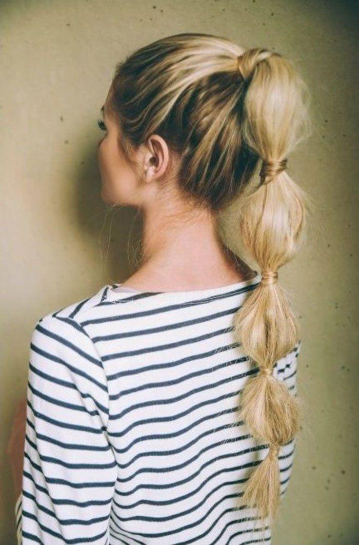 Bonito y cómodo peinados cola alta Galería de tendencias de coloración del cabello - chica con peinado de cola de caballo alta y blusa de rayas ...
