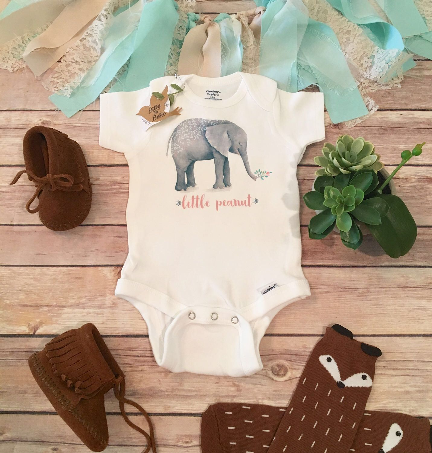 Little Peanut esie Baby Shower Gift Boho Baby Clothes Baby