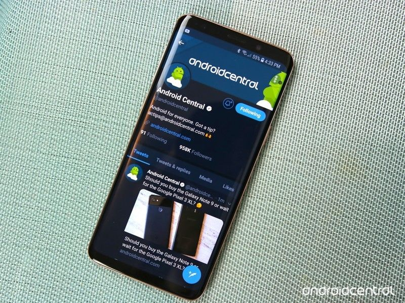How to enable dark mode in the Twitter app for Android