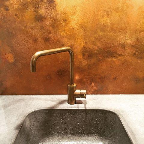 Kuvahaun tulos haulle brass back splash Bathroom Pinterest - quelle küchen abwrackprämie