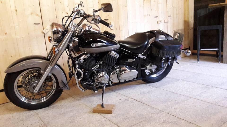 Yamaha Dragstar 650 Classic Aangeboden In De Facebookgroep Www Facebook Com Groups Motorentekoopmt Yamaha Yamahadragstar Yamaha Motorcycle Yamaha Vehicles