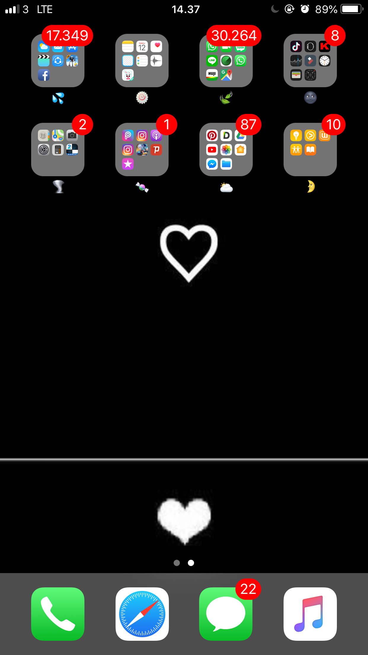 Wpeaqeaq Iphone organization, Iphone layout, Homescreen