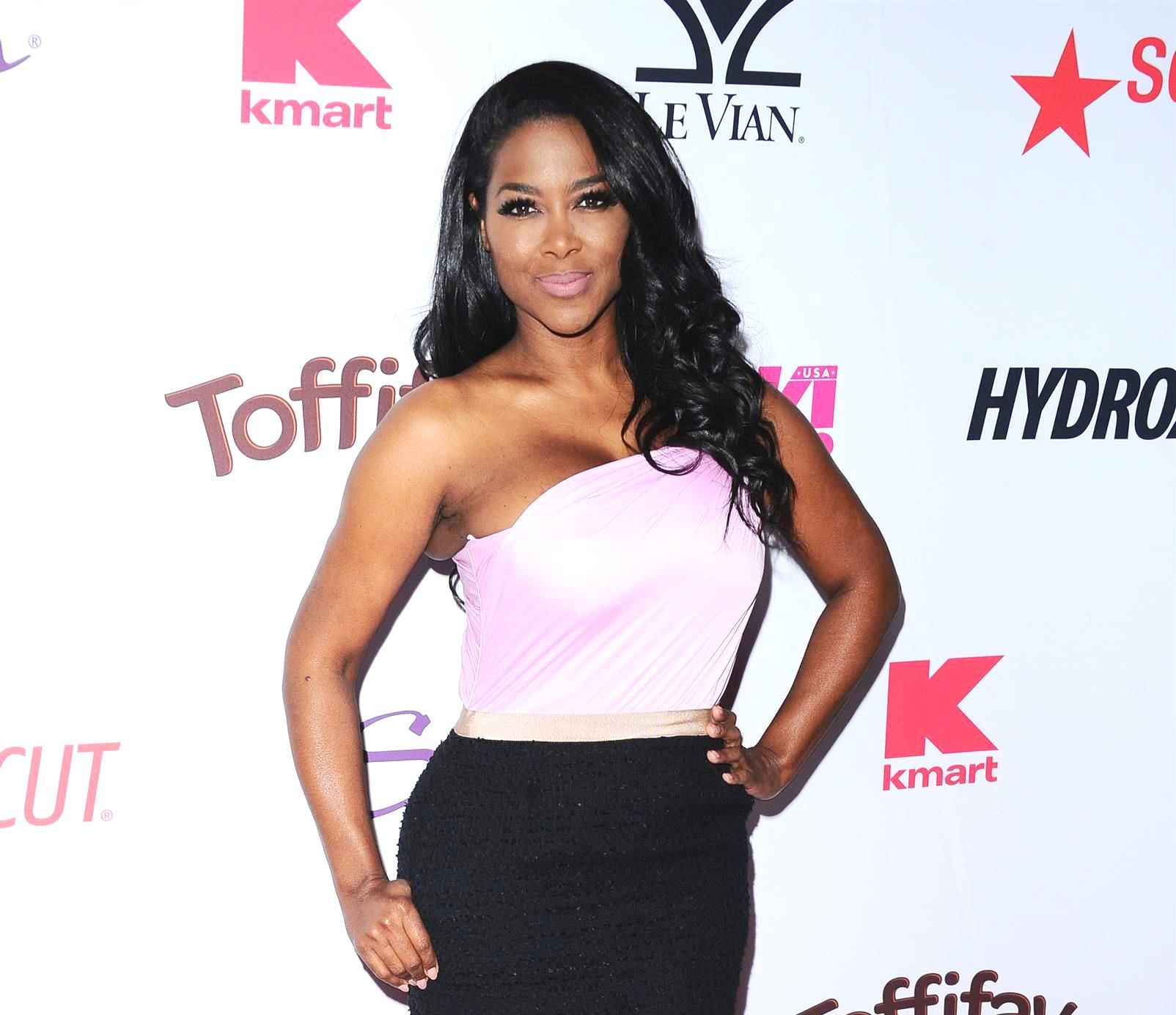 Kenya Moore's Pics Of Her Baby Girl, Brooklyn Daly Opening