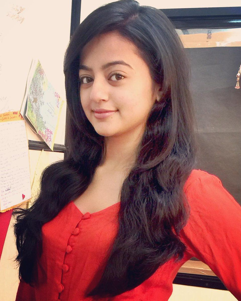 35) Twitter   Face in 2019   Helly shah, Bollywood heroine