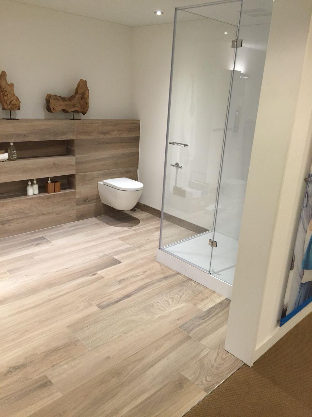 hout look pvc vloer badkamer pinterest