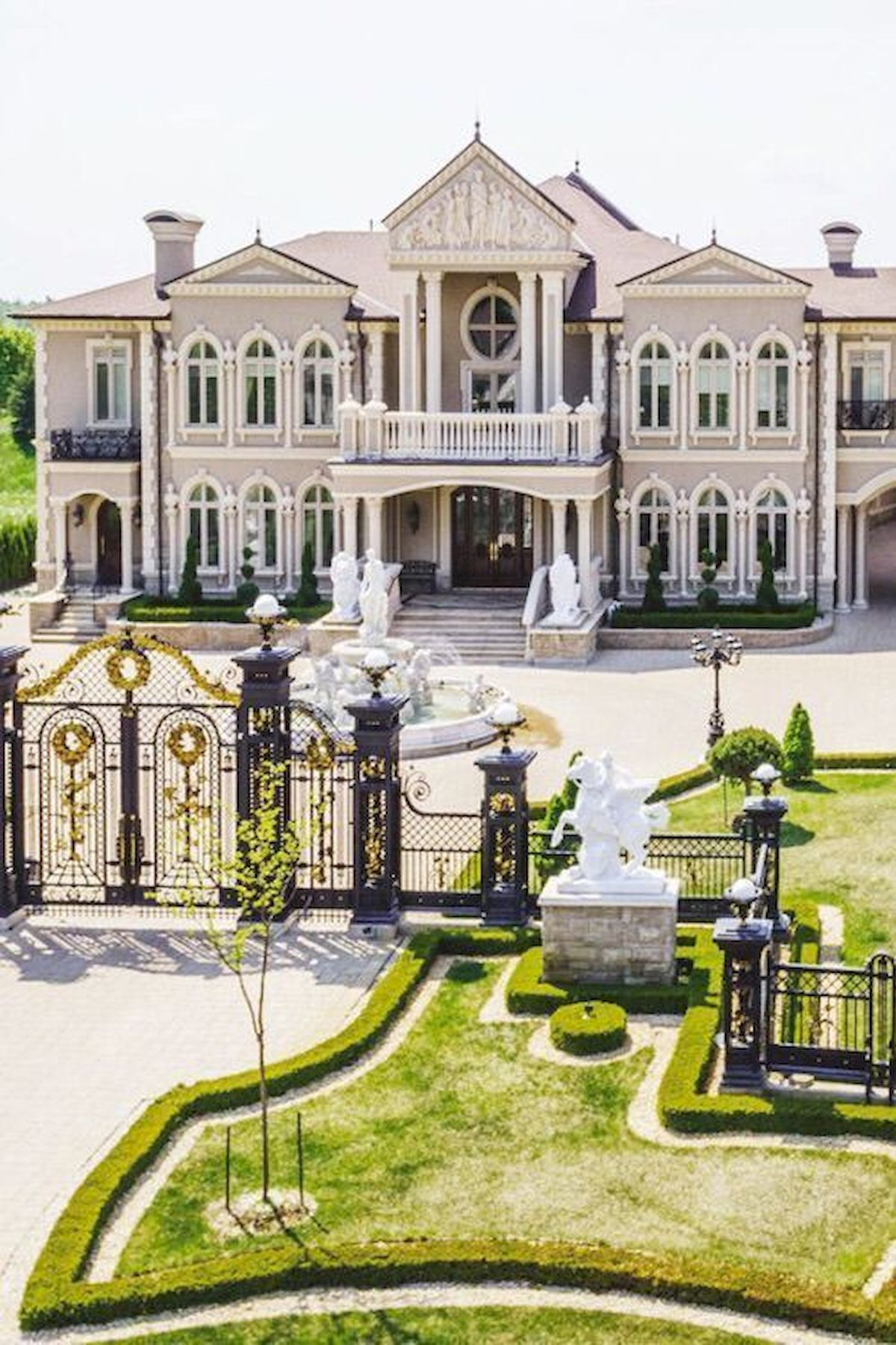 Awesome 40 Stunning Mansions Luxury Exterior Design Ideas Https Livingmarch Com 40 Stunning Luxury Exterior Luxury Homes Dream Houses House Designs Exterior