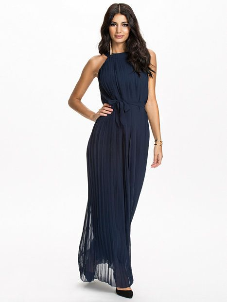 888206784140 Pleated Chiffon Halter Maxi Dress - Club L - Navy - Party Dresses -  Clothing - Women - Nelly.com Uk