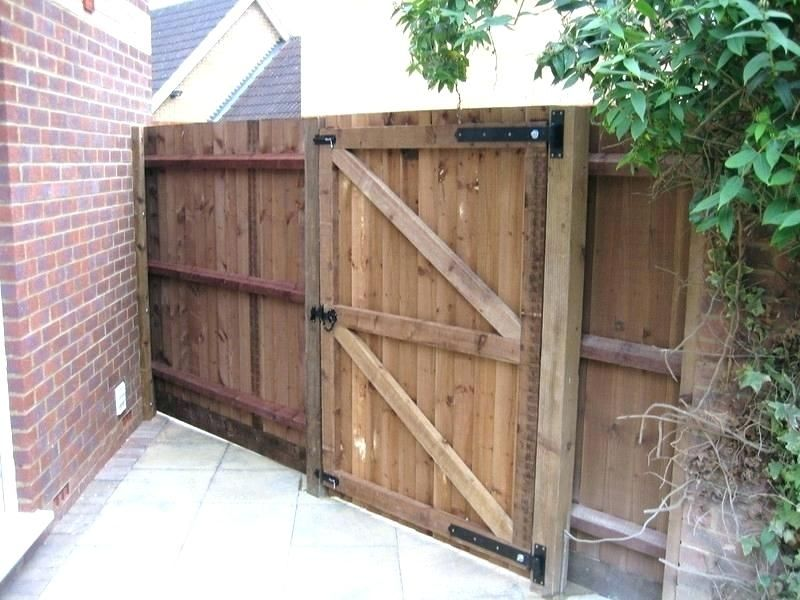 To Put A Vinyl Fence Gate Kit In 2020 Fence Gate