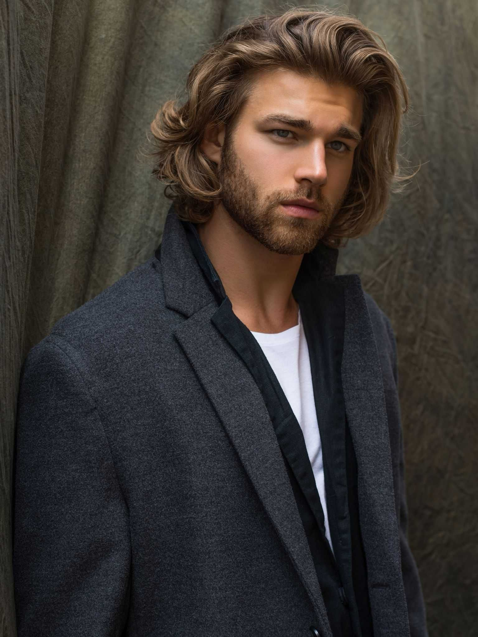 23 macho hairstyles for men with long hair long hair