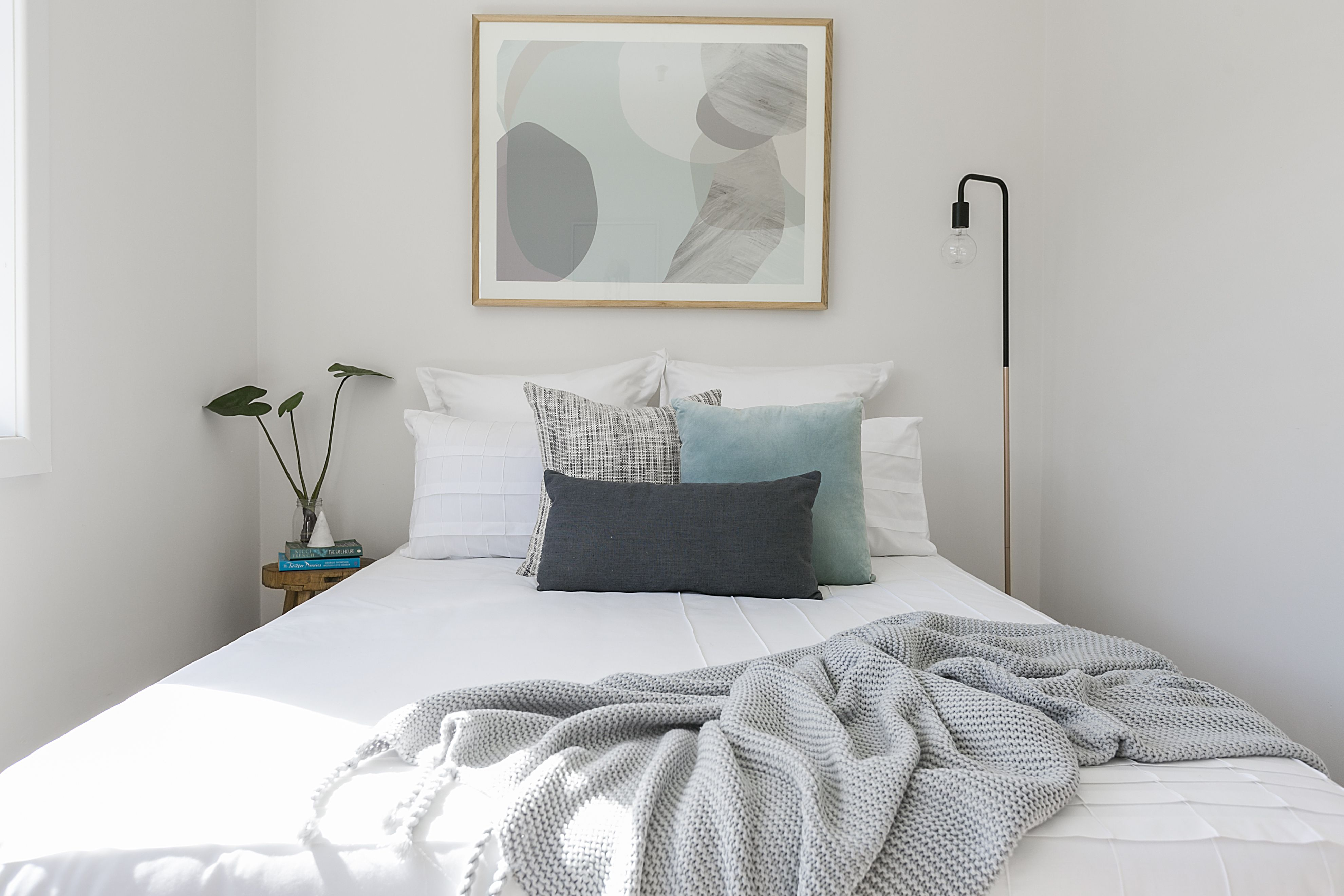 Pastel bedroom ideas, white linen, timber framed art | Dream ...