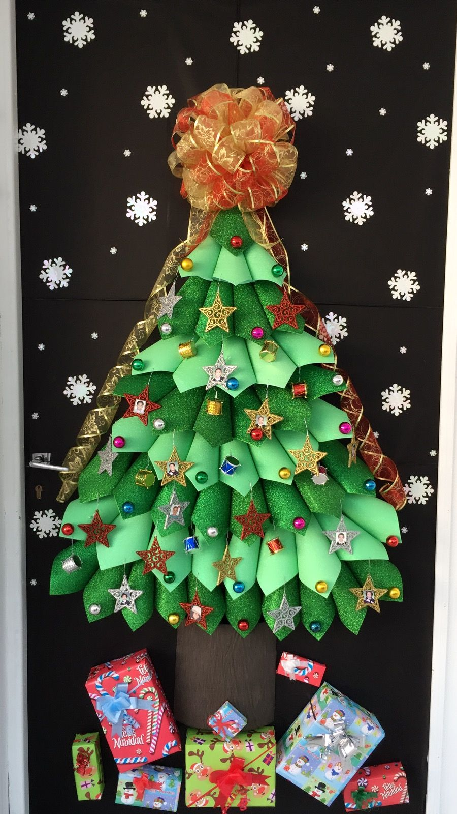 Pin By Lynne Topetcher On Holiday Door Ideas Christmas Classroom Christmas Door Decorating Contest How To Make Christmas Tree