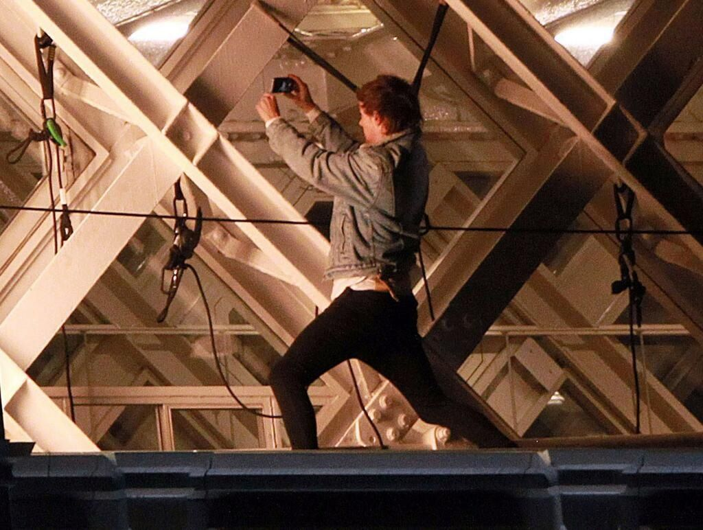 Louis taking a selfie while the boys were on top Tower Bridge filming for the Midnight Memories music video