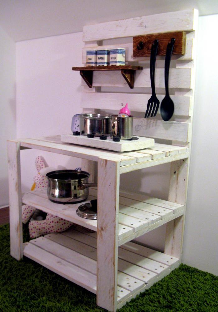 dnes varím ja dodofish mud kitchen for kids pallet kitchen island mud kitchen on kitchen island ideas kids id=58729