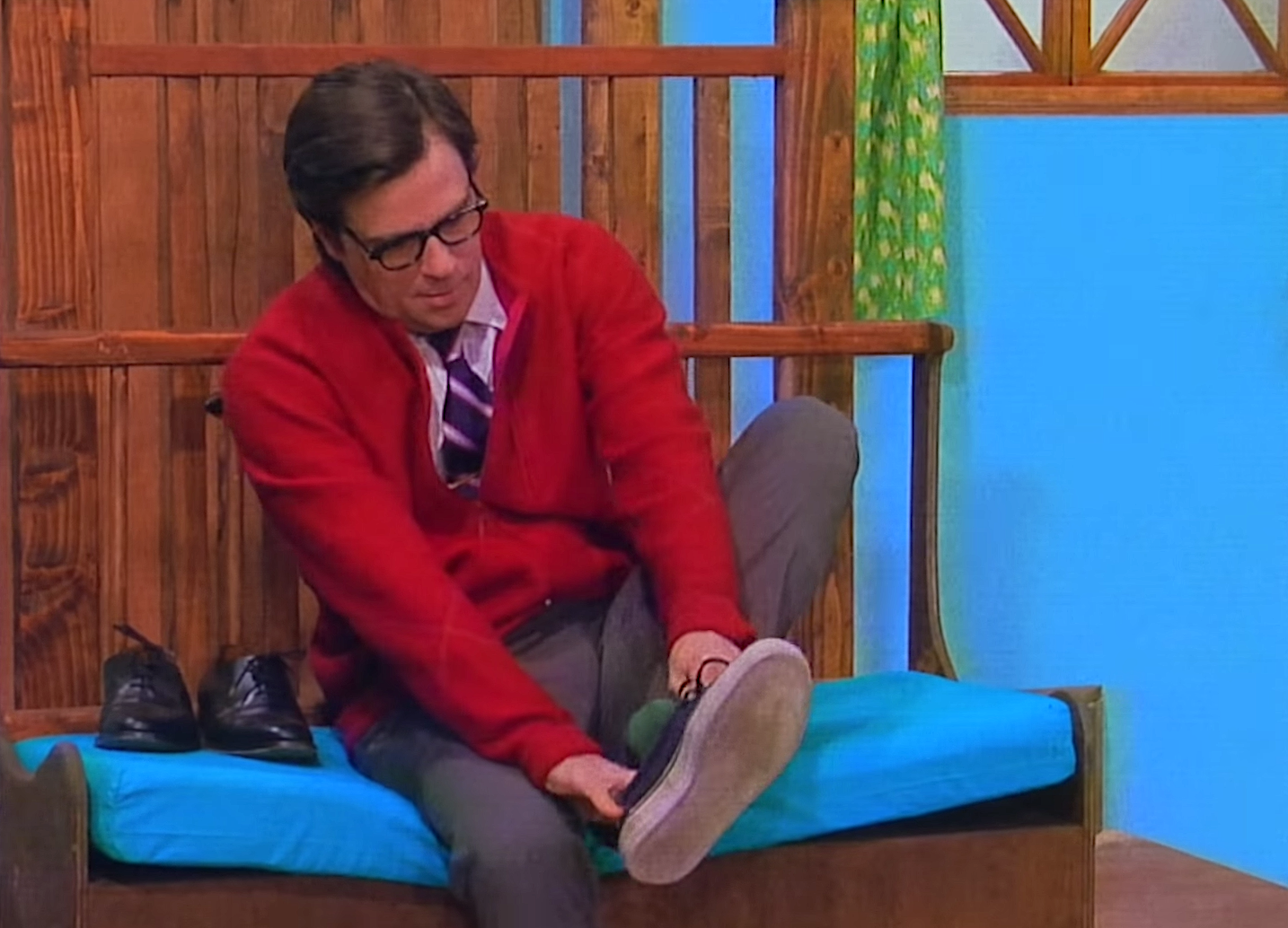 Rivers Cuomo Is An Eerie Mister Rogers In The Music Video For The New Weezer Song High As A Kite Weezer Rivers Cuomo Mr Rogers
