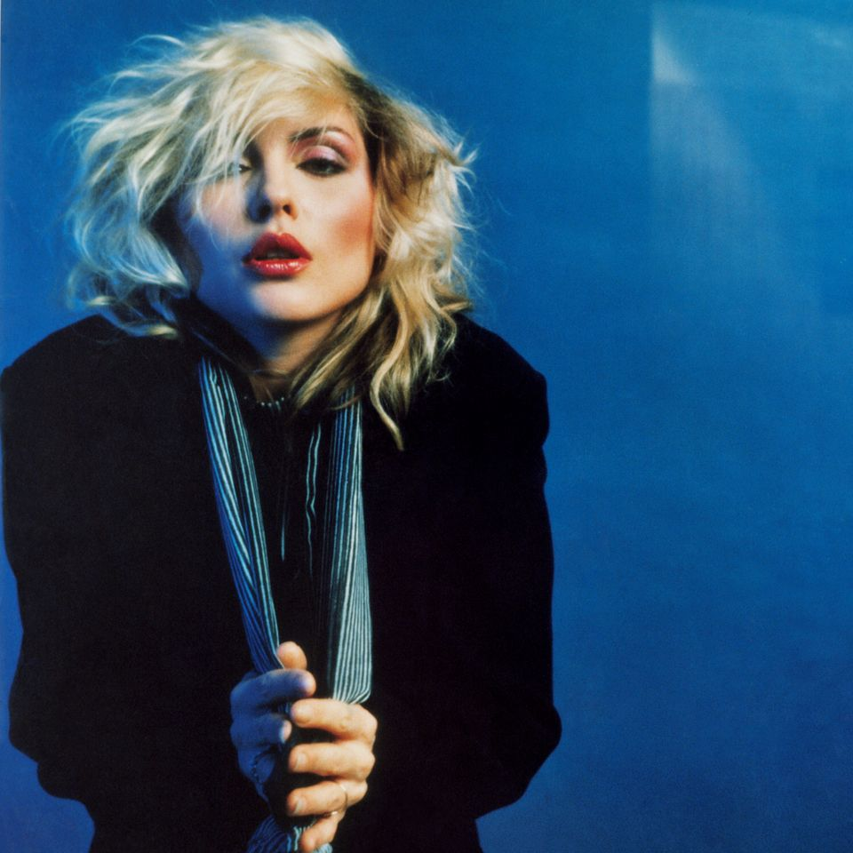 Blondie hustler photo 3