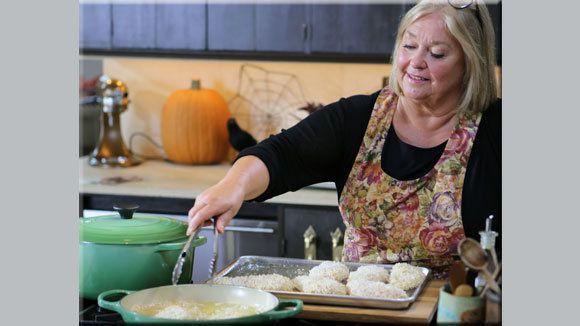 Nancy Fuller S Garlicky Chicken Parmesan Grandparents Com Farmhouse Rules Recipes Recipes Food Network Recipes