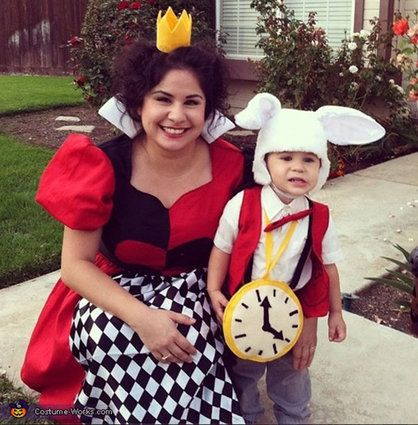 54 Cute, Creepy And Clever Halloween Costumes For Siblings Family - awesome halloween costume ideas