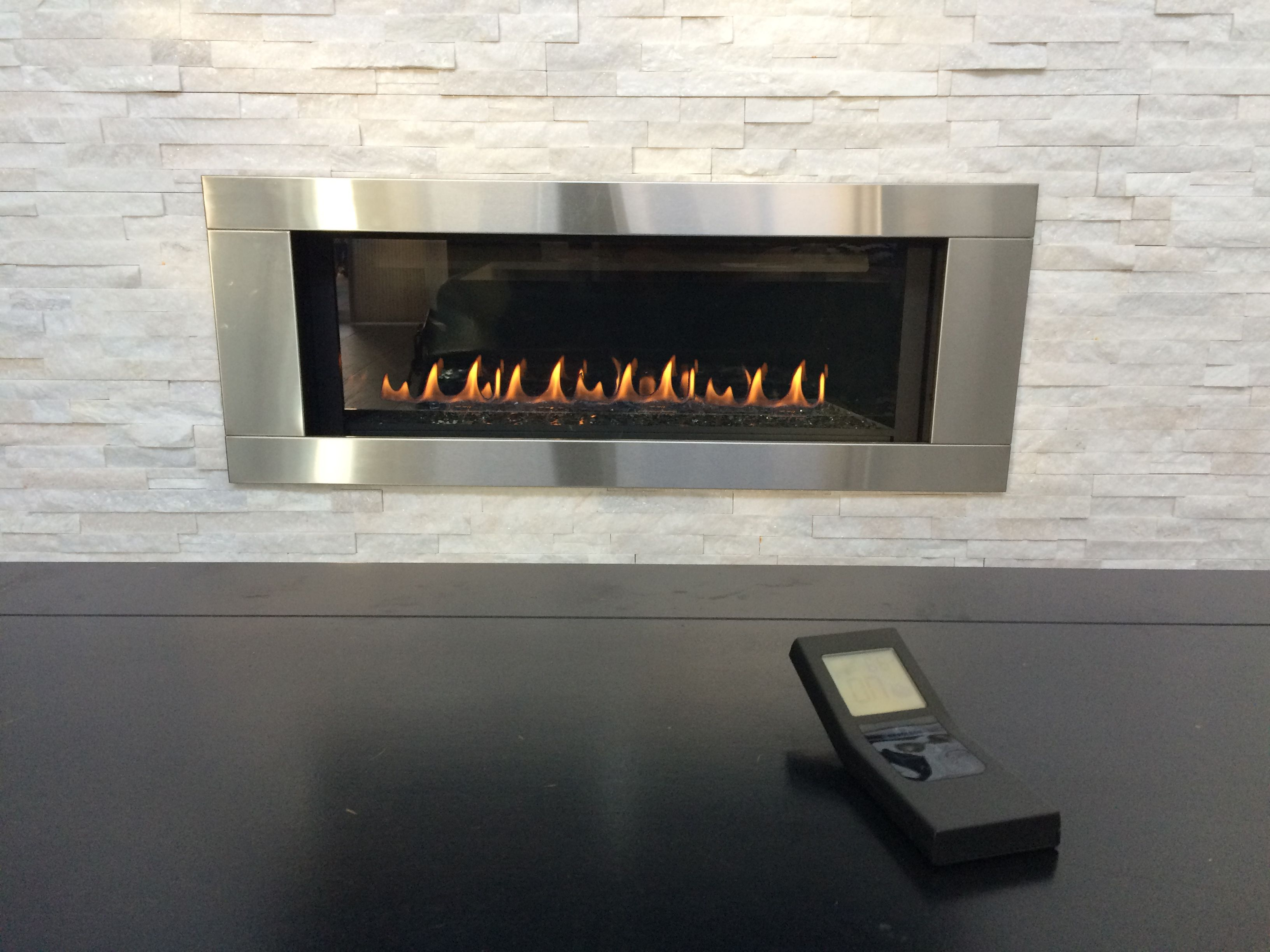 A Modern Linear Fireplace With Crushed Glass Its A Sleek Contempary Look And A Beautiful