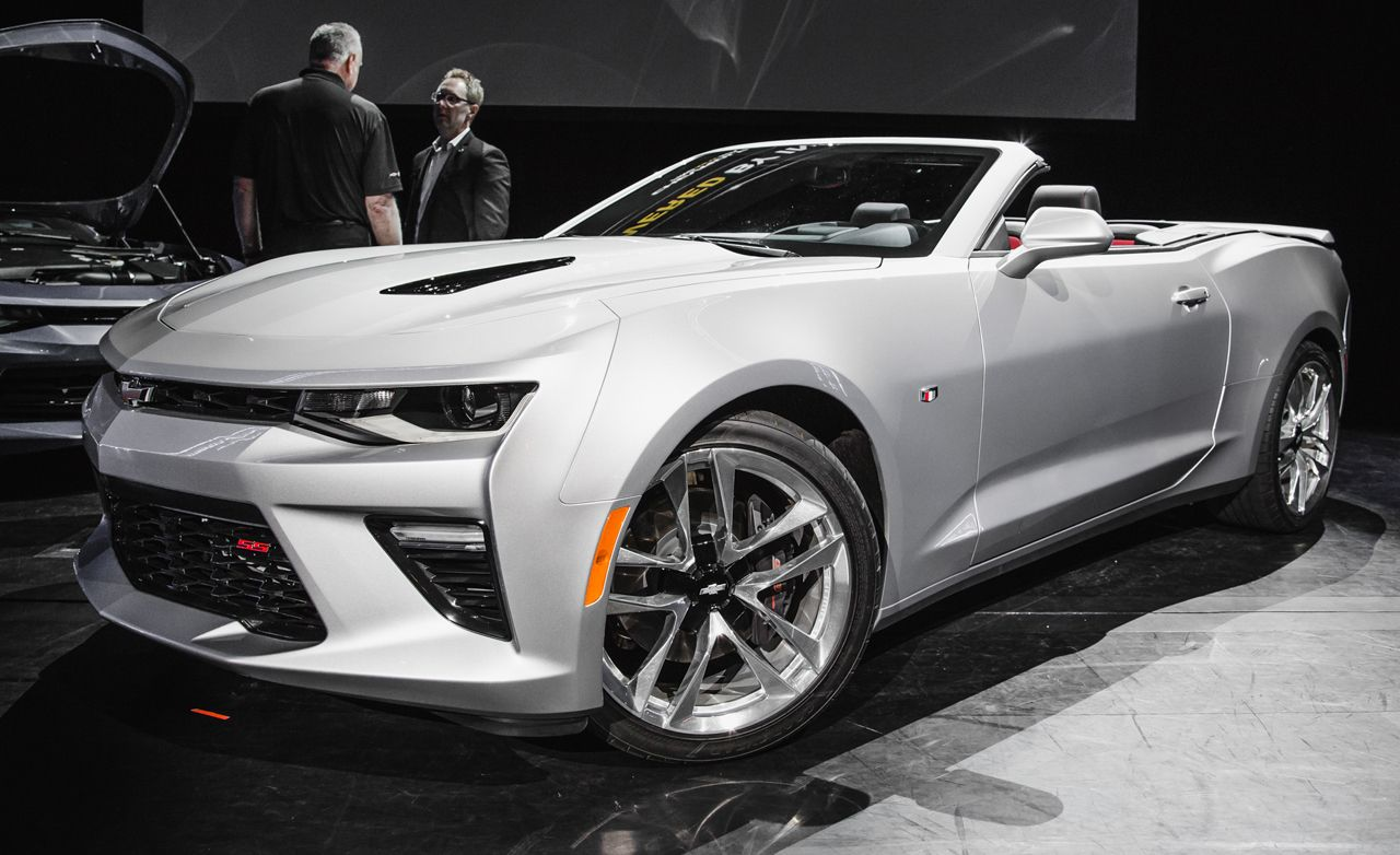 New car colors 2016 - The New Camaro Is Already A Looker But The Convertible Is A Particularly Slick Piece With The Top Down Thanks To Its Rigid Body Color Tonneau Cover That
