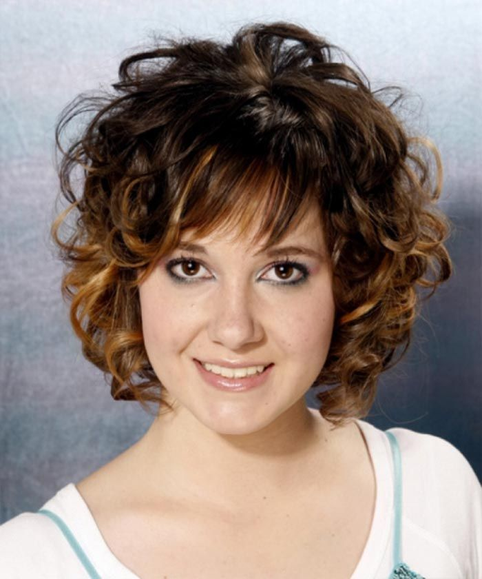 Short Hairstyle For Semi Wavy Frizzy Hair Medium Curly Hair Styles Curly Hair Styles Medium Hair Styles