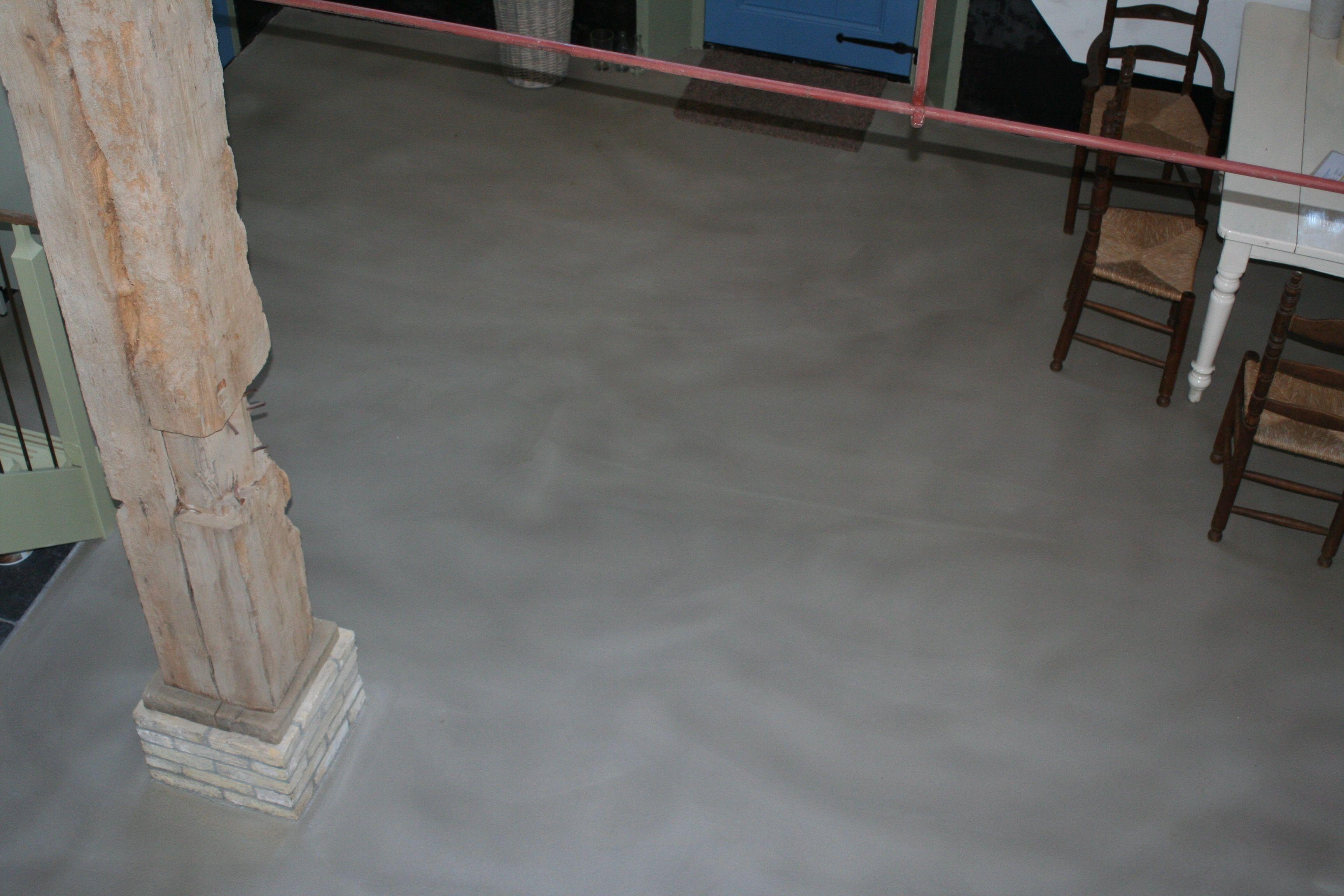 Een k vloer afgewerkt met een pu coating uitgevoerd door vloer