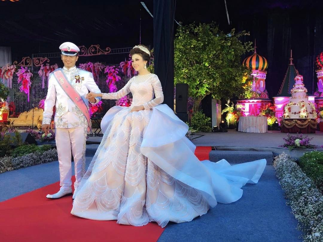 Intan azzahra wearing ivan gunawan wedding gown march 2017 for Wedding dress instagram