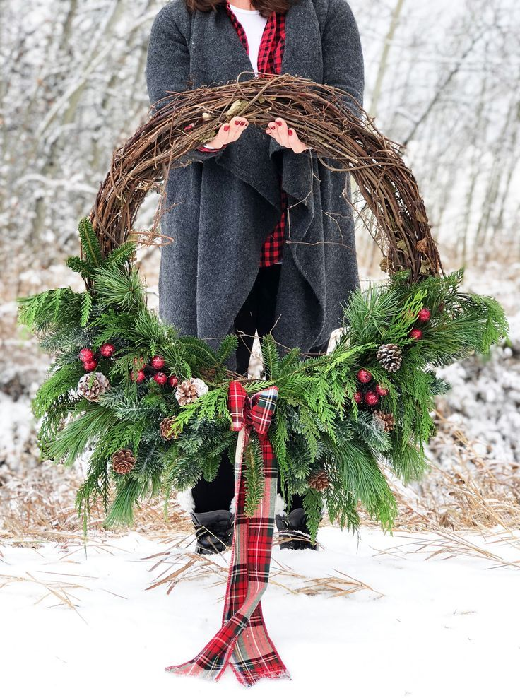 Photo of Christmas Grapevine Evergreen Wreath