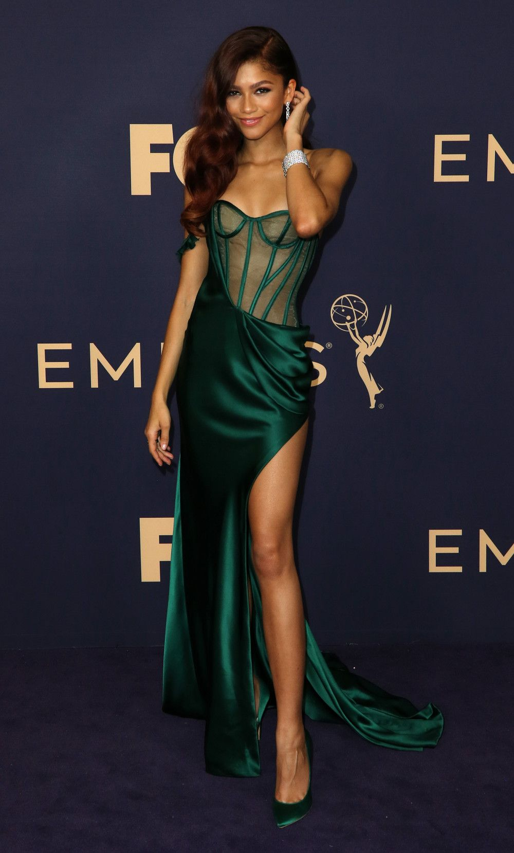Photo of Emmys 2019 Red Carpet Fashion: See the Stars' Styles!