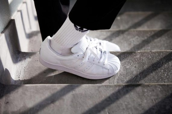 adidas superstar total white