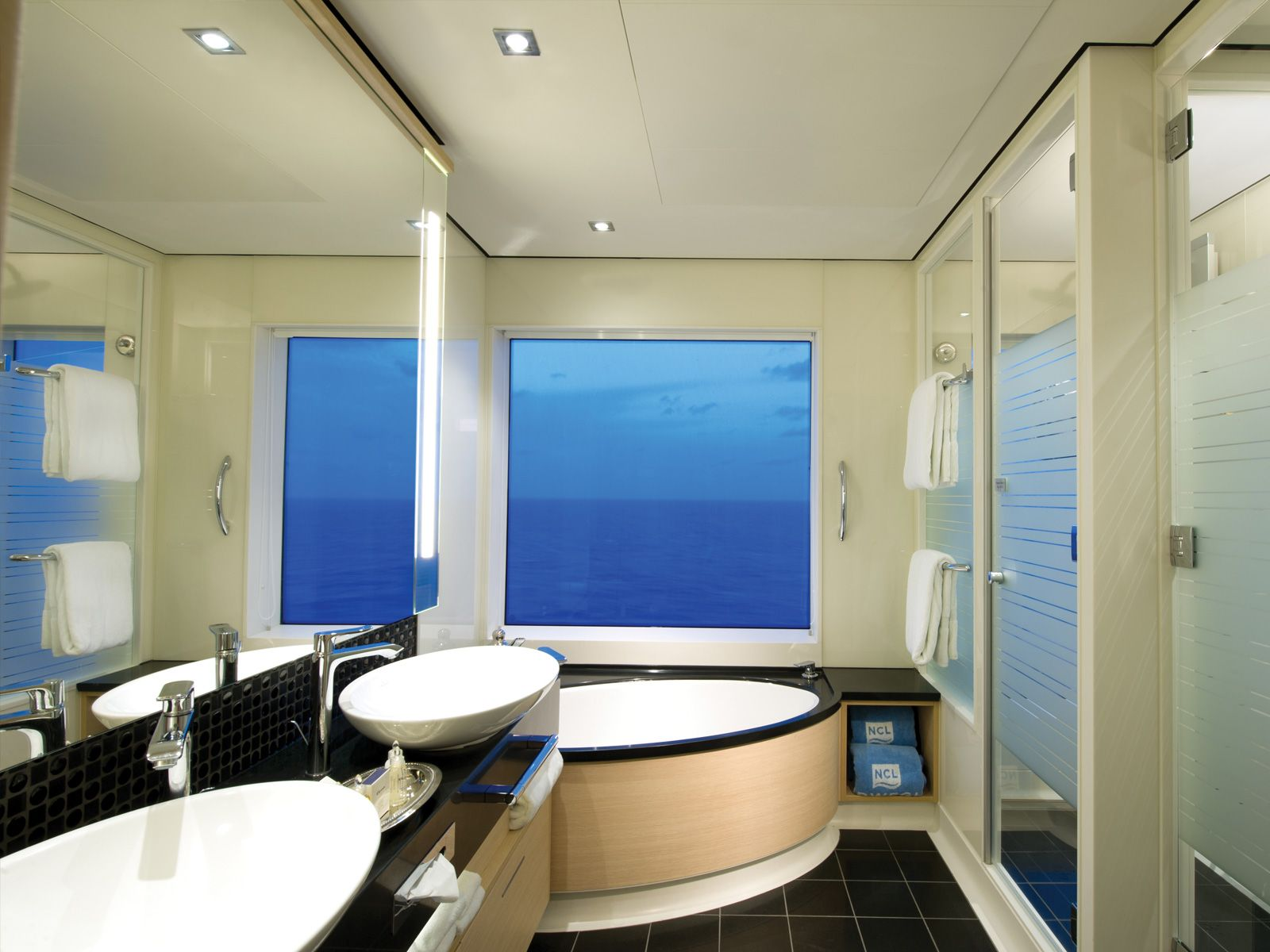Norwegian Breakaway Staterooms | Haven 2 Bedroom Family Villa ...