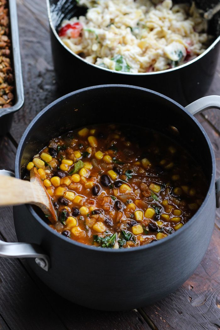 Black Bean Lentil Soup | @theyoopergirl | #vegan #cleaneating #glutenfree | sounds delicious, totally trying  it soon!